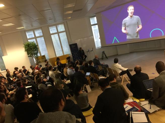 Mark Zuckerberg en vidéo devant un parterre de développeurs réunis à Paris par BPI France