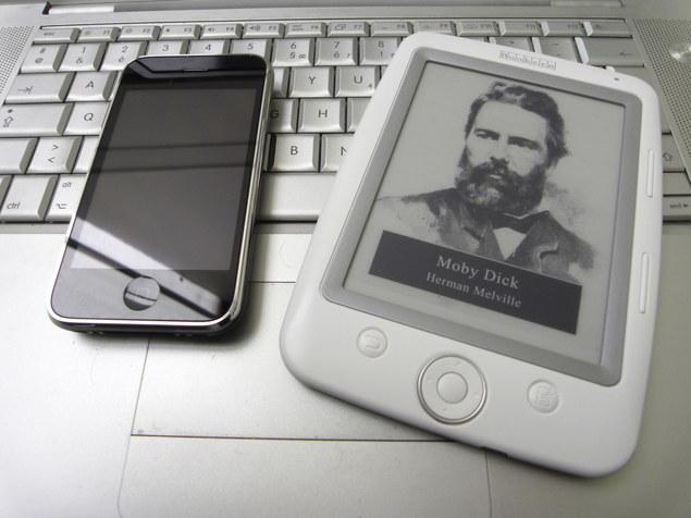 Apple iPhone vs Cybok Opus