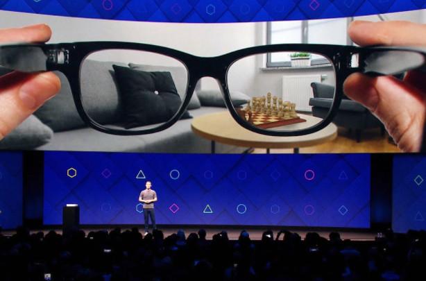 Des lunettes connectées en partenariat entre Facebook et Ray-Ban