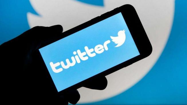 """Twitter s'associe à Reuters et AP pour combattre les """"fake news"""""""