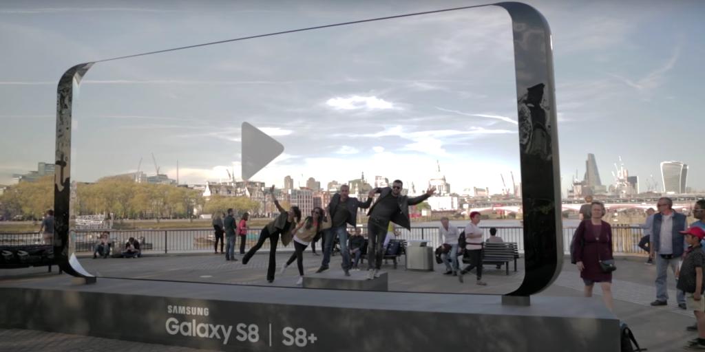Samsung créée d'énormes sculptures du Galaxy S8 au Royaume-Uni