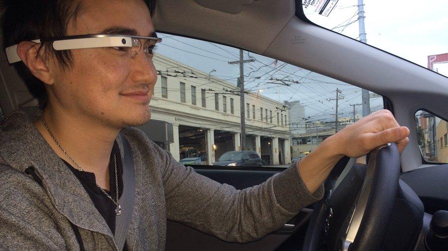 La science confirme que l'envoi de SMS au volant avec Google Glass est dangereux