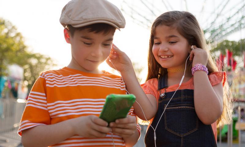 Etude : Les écouteurs susceptibles de provoquer une perte auditive chez les enfants