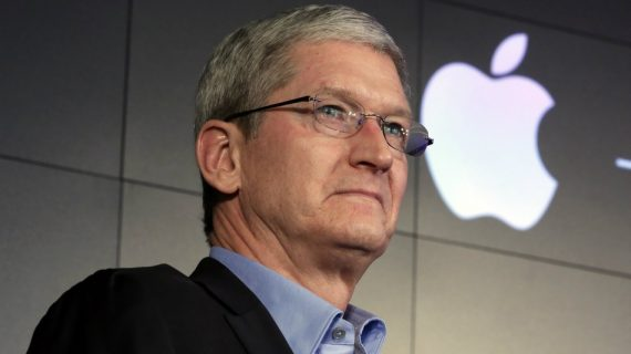 Tim Cook a empoché 701 millions $ en tant que CEO d'Apple, moins que Mark Zuckerberg