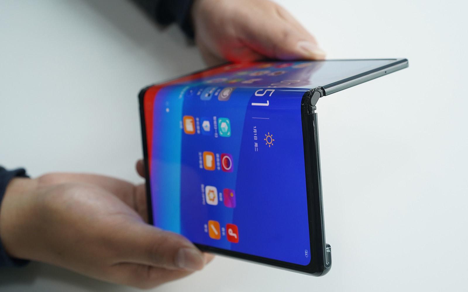 Oppo présente son propre smartphone pliable